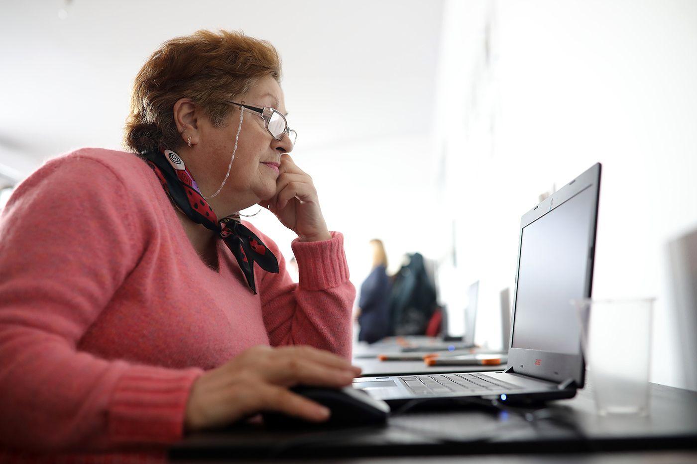 Centrul-Digital-pentru-Femei-med